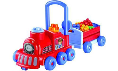 Поезд с прицепом и конструктором