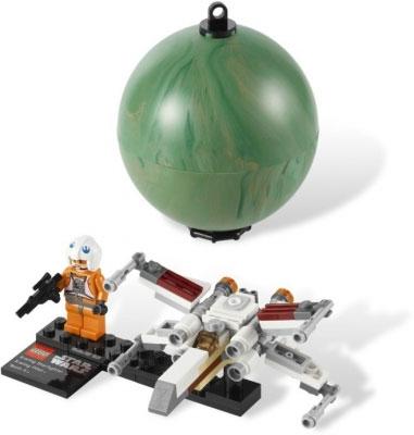 Истребитель X-Wing и планета Явин 4