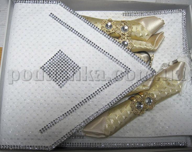 Подарочный набор Leidy (скатерть, дорожка, салфетки) с отделкой