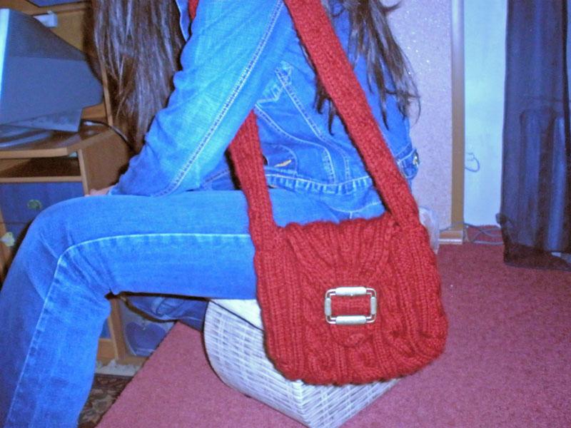 Бордовая сумка со жгутами