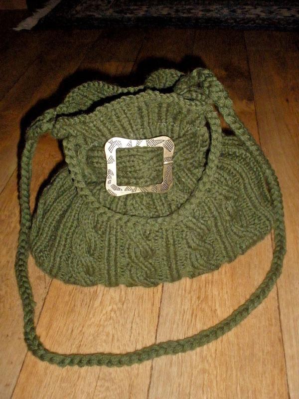Зеленая сумка с косами