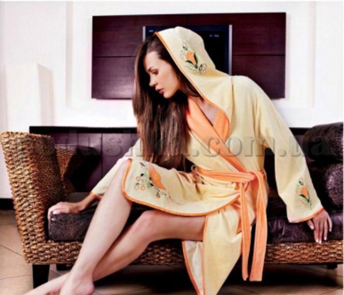 Халат женский велюровый с вышивкой Nusa NS-790