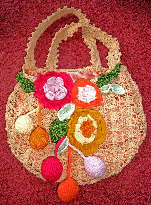 Ажурная сумка с цветами
