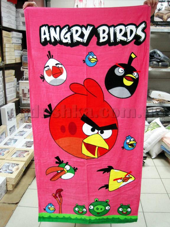 Полотенце пляжное Сердитая птица розовое
