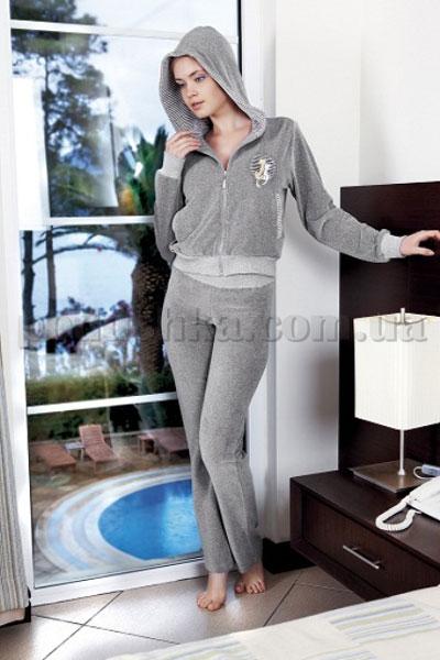 Домашний костюм женский велюровый с капюшоном Nusa NS-880