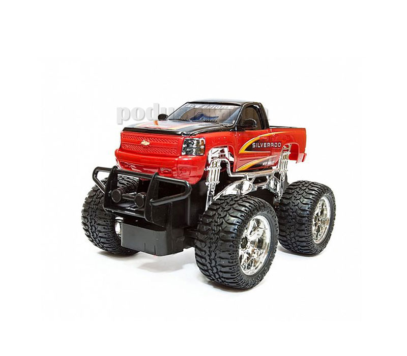 Автомобиль на р/у 1:24 Chevy Silverado (black/red) или Jeep Wrangler (silver/black)