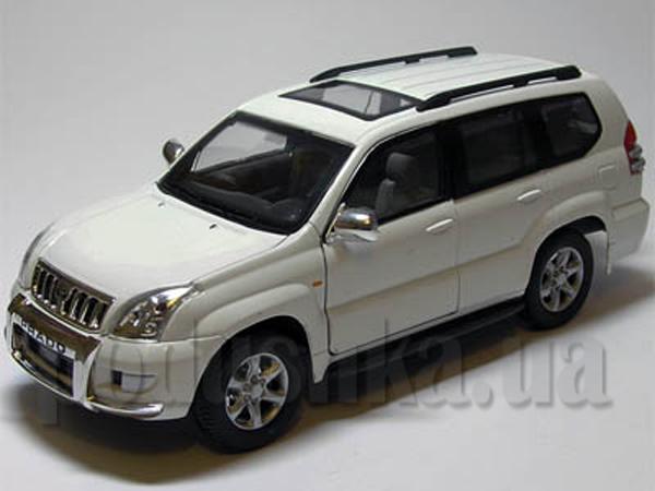 Автомодель 1:24 Toyota Land Cruiser Prado белый 125-067 белый Cararama