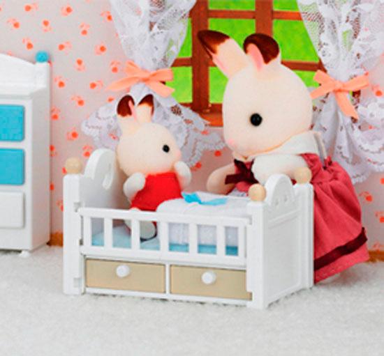 Шоколадный Кролик и кроватка Sylvanian Families 5054131050170
