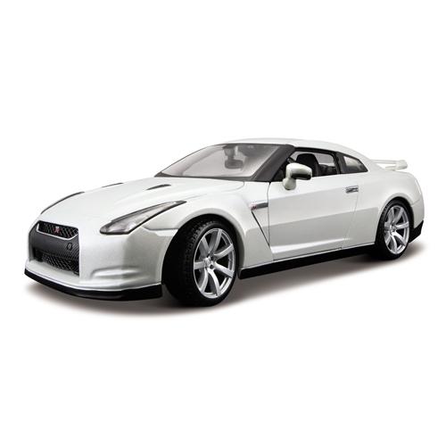 Автомодель - NISSAN GT-R (2009) (белый, 1:18)