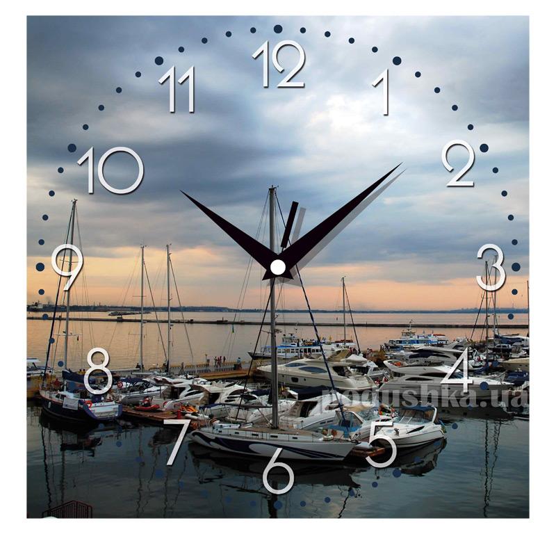Часы настенные ЮТА Панорама 300Х300Х16мм UA - 019