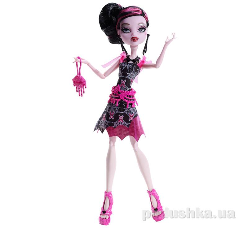 Кукла Дракулора Монстер Хай Frights Camera Action Black Carpet Draculaura Mattel BDF23