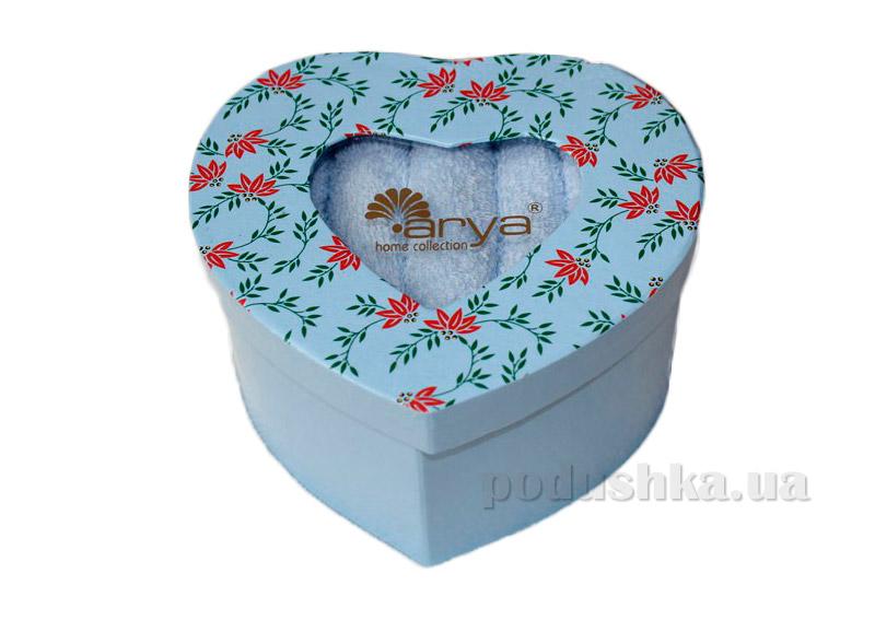 Набор из 5 голубых махровых полотенец Arya Heart в коробке-сердце