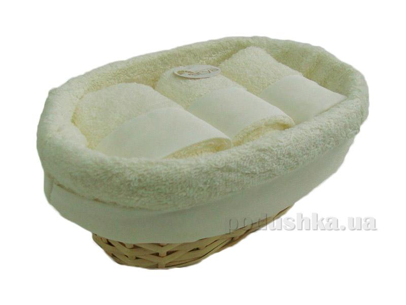 Набор из трех кремовых махровых полотенец Arya Таурус в плетеной коробке