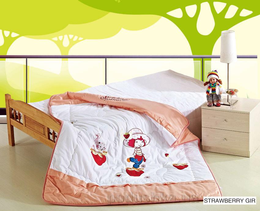Одеяло детское с вышивкой Arya Strawberry girl