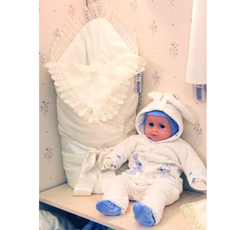 Одеяло для новорожденного на синтепоне с кружевом Baby Life 621