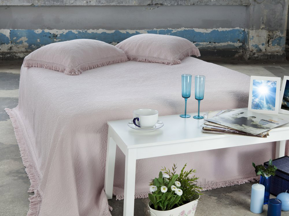 Покрывало с наволочками Pavia Orient powder светло-розовое