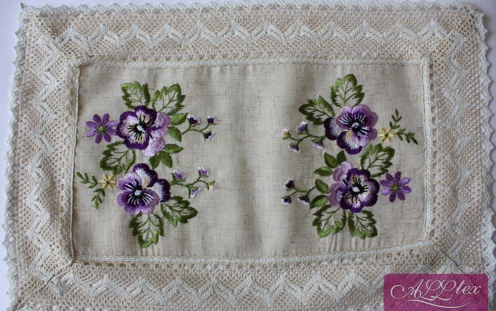Льняные скатерти и салфетки с вышивкой 71