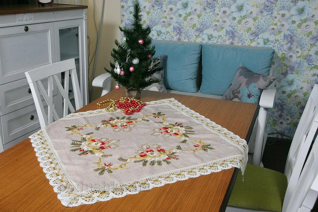 Салфетка новогодняя льняная Alltex 0447 с вышивкой