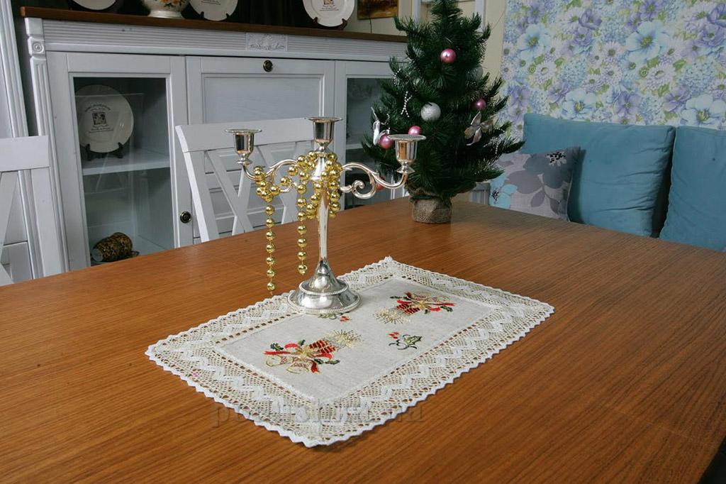 Салфетка новогодняя льняная Alltex 136057 с вышивкой