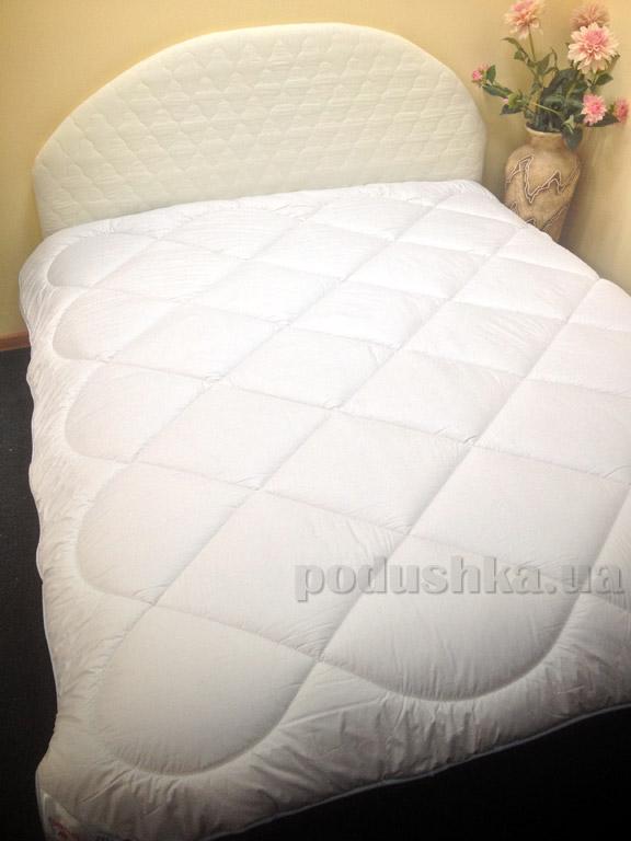 Шерстяное одеяло Билана Корона зимнее в батистовом чехле
