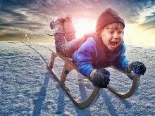 Море радости и удовольствия в зимний день! Санки и ледянки от Тм Kunststoff!:)